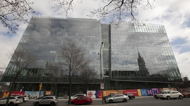 Vue extérieure du nouvel édifice de Radio-Canada.