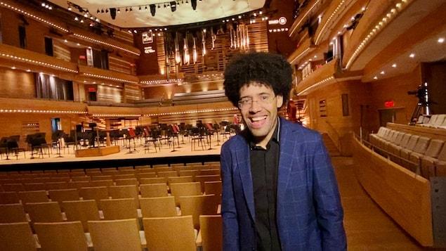 Nommé en janvier 2021, c'est en septembre dernier que Rafael Payare a pris la baguette de l'Orchestre symphonique de Montréal.
