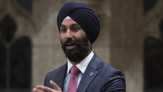 Le député Raj Grewal photographié à la Chambre des communes.