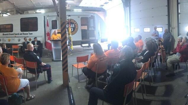 Conférence de presse sur la formation des équipes de recherche et sauvetage au sol à Miramichi