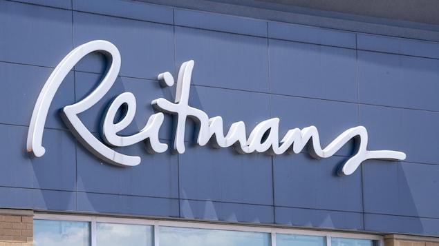 Une enseigne Reitmans.