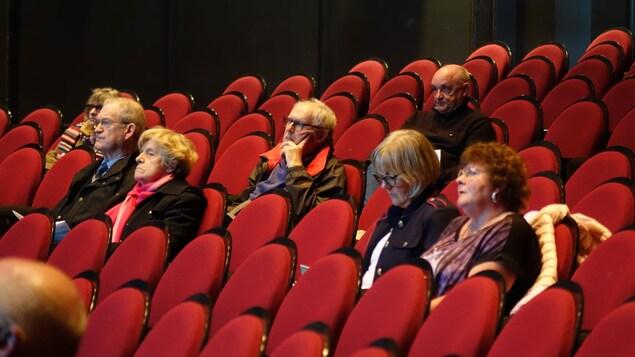 Une soixantaine de personnes se sont rendues à la Salle Telus de Rimouski.