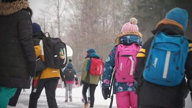 Des enfants de la région de la Capitale-Nationale lors de la rentrée scolaire du 11 janvier 2021.