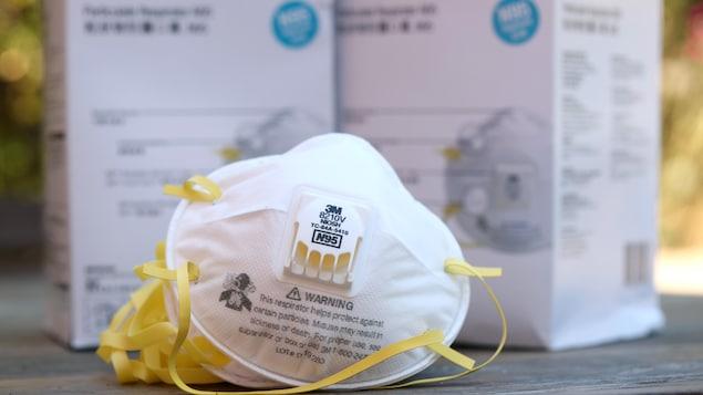Des respirateurs à particules N95 de marque 3M.