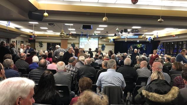 Les retraités du Soleil étaient conviés à une réunion hier soir.