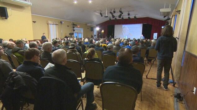 Réunion publique de l'entreprise Grieg NL, à Marystown, à Terre-Neuve-et-Labrador.