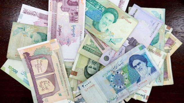 Des billets iraniens.