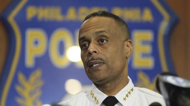Le chef du service de police de Philadelphie Richard Ross, jeudi, en conférence de presse