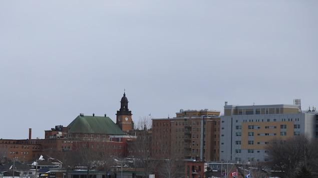 Le paysage de la ville de Rimouski pendant l'hiver.