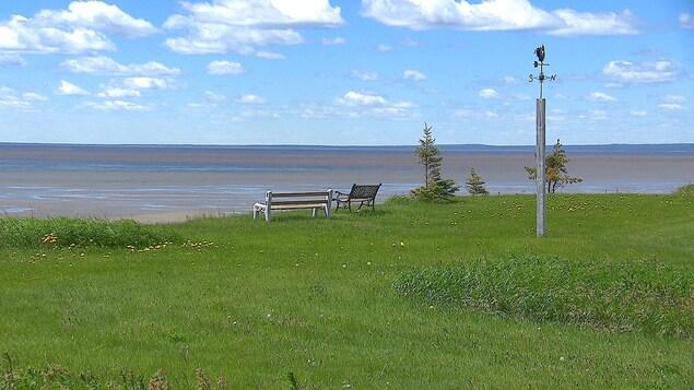 Le rivage menacé par l'érosion à Pointe-aux-Outardes.