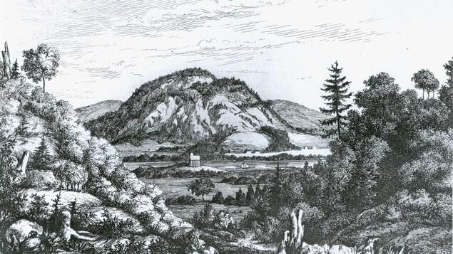 Le Rocher de Campbellton vu du ruisseau Monier, derrière La Petite Rochelle