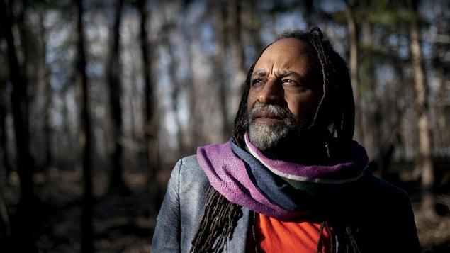 L'auteur et éditeur Rodney Saint-Éloi