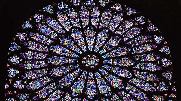 Incendie de Notre-Dame de Paris: une vague internationale de sympathie