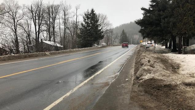 Des citoyens demeurant à la sortie du village de Saint-Roch-de-Mékinac aimerait voir la vitesse diminuer dans le secteur.