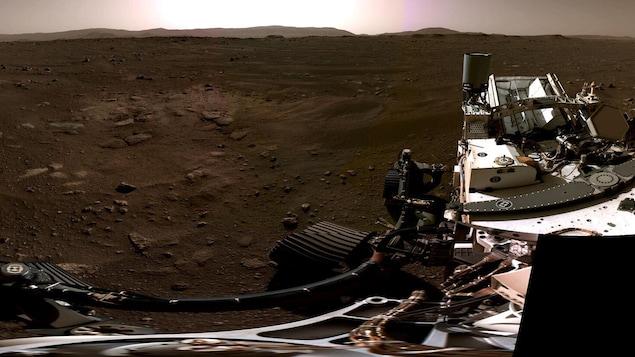Le rover Perseverance est immobile sur Mars.