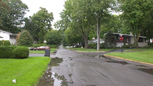 Des maisons dans un quartier résidentiel
