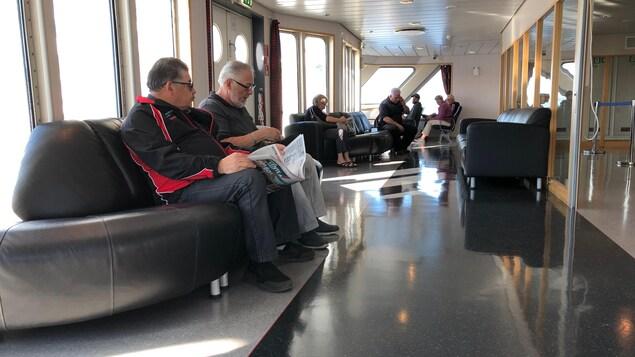 Des passagers dans le Saaremaa