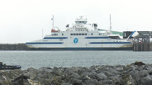 Le navire Saaremaa au port de Matane.