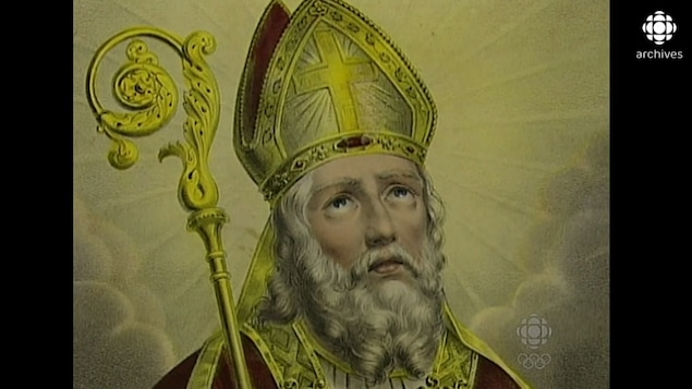 Représentation du saint barbu portant une couronne.