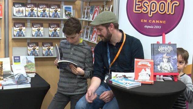 Le Salon du livre de la Côte-Nord a regroupé une quinzaine de maisons d'édition qui publient des livres jeunesse.