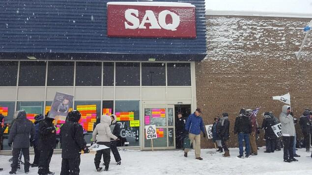Les syndiqués de la SAQ déclenchent une grève de trois jours