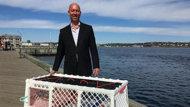 Scott Dauphinee de l'entreprise The Lobster Trap Company.