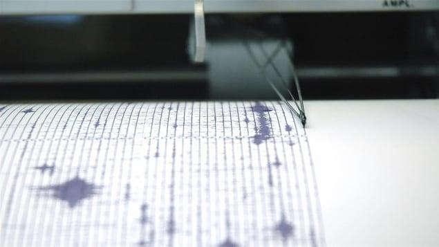 Un sismographe en action