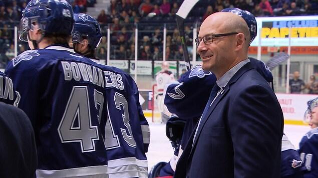 Serge Beausoleil est directeur général et entraîneur de l'Océanic de Rimouski, de la Ligue de hockey junior majeur du Québec