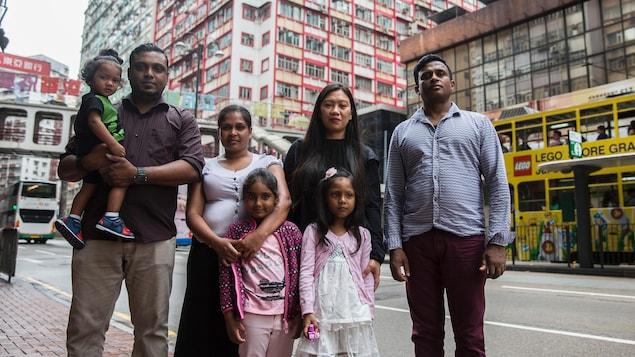 Quelques membres des familles de Hong Kong qui veulent se réfugier au Canada pour être venus en aide à Edward Snowden