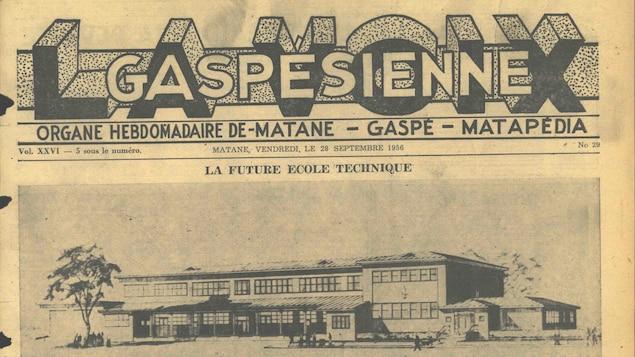On voit la couverture d'un journal papier qui date du mois de septembre 1956. On peut y lire le titre La Voix gaspésienne.