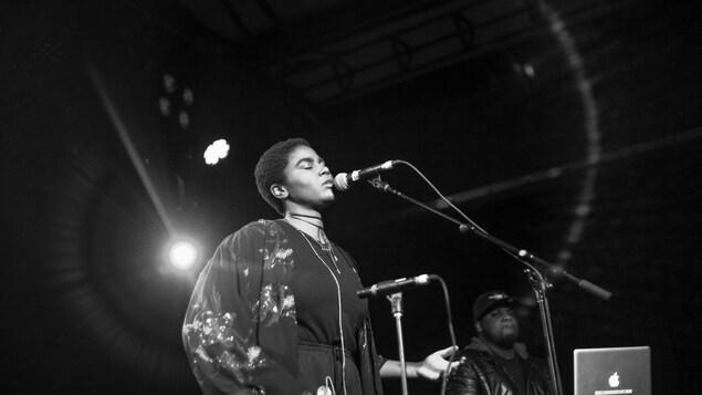 La chanteuse Karimah en spectacle