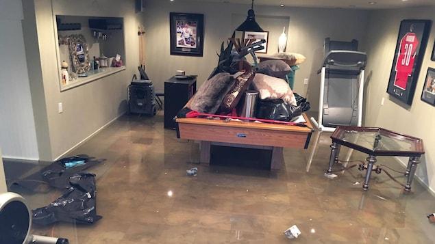 inondations gatineau je suis puis dit un sinistr ici radio. Black Bedroom Furniture Sets. Home Design Ideas