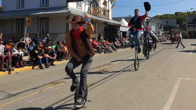 Le Festival western de Saint-Tite bat son plein.
