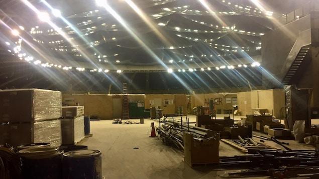 Un chantier à l'intérieur du stade.