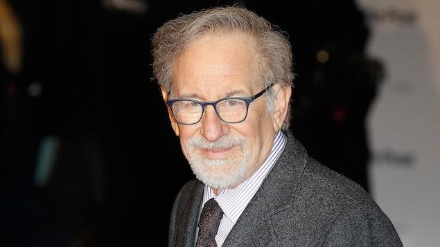 Hillary Clinton et Steven Spielberg produiront ensemble une fiction télé
