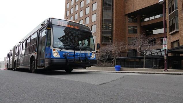 Un autobus de la STO