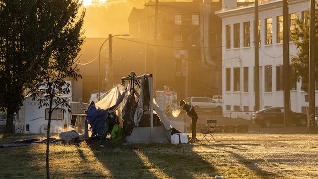 Une tente au parc Strathcona.