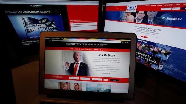 Trois écrans d'ordinateur.