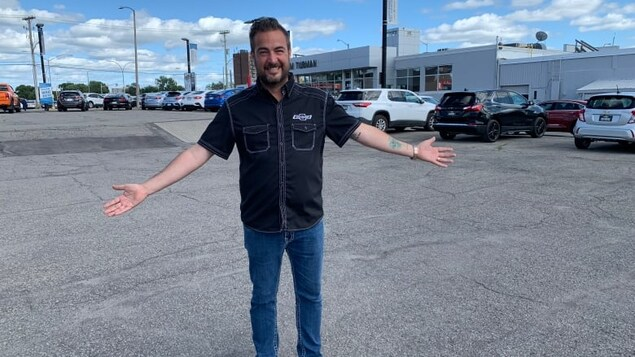 Ted Smith, sales manager at Jim Tubman Chevrolet in Ottawa, has been selling cars for 28 years and says he's never seen an inventory problem like this year.
