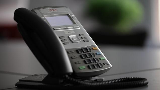 Téléphone avec un arrière plan flou