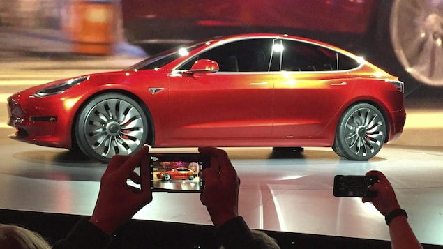 Le Model 3 de Tesla lors de sa présentation en mars 2016