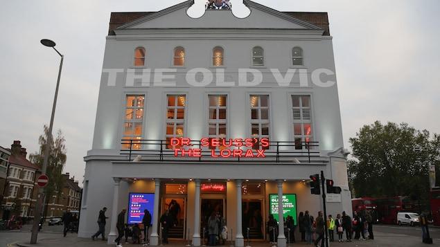 La façade du théâtre à Londres