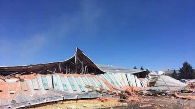 Personne n'était à l'intérieur de l'aréna Phil-Latulipe, selon les pompiers.