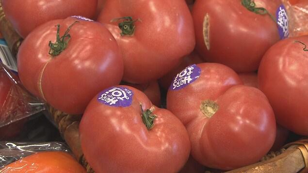 Tomates moches dans une épicerie Métro de Trois-Rivières