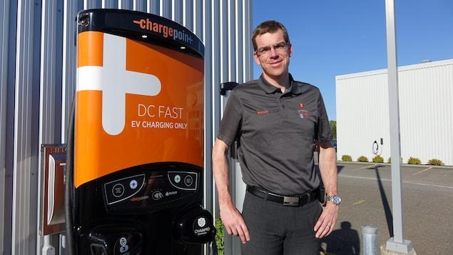 Benoit Bujold est directeur général du concessionnaire Volkswagen-Kia à New Richmond, dans la baie des Chaleurs, en Gaspésie.