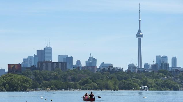 Vue de la ville de Toronto depuis le lac.
