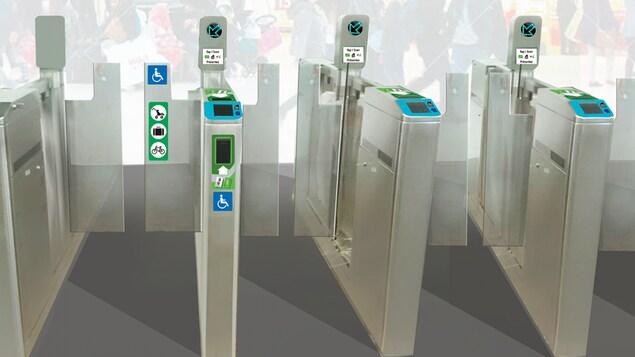 Les portillons pour accéder au quai dans une station du train léger.