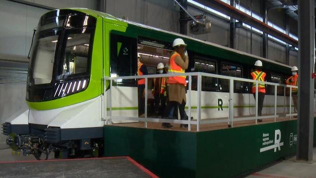 Les nouveaux trains en démonstration.