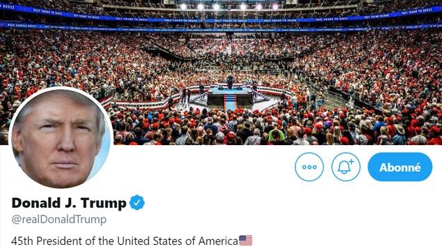 Le compte Twitter de Donald Trump, avec une photo de lui devant une foule de partisans