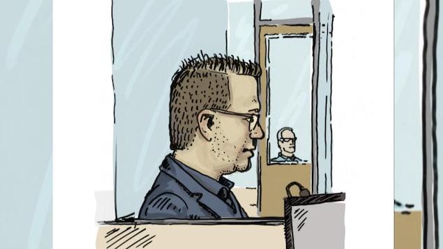 Croquis d'Ugo Fredette, cheveux courts et lunettes, assis dans le box des accusés.
